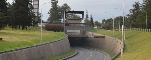 Túnel Subfluvial Raúl Uranga – Carlos Sylvestre Begnis: interliga as cidades de Santa Fé a Paraná.