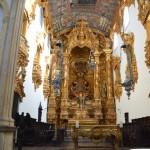 Igreja São Bento (altar-mor em madeira de cedro e inteiramente folheado a ouro, construído entre 1783 e 1786)