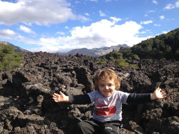 Lava do vulcão Achen Ñiyeu