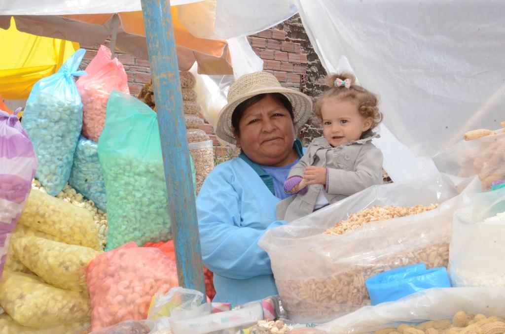Mercado público em Copacabana (Bolívia)