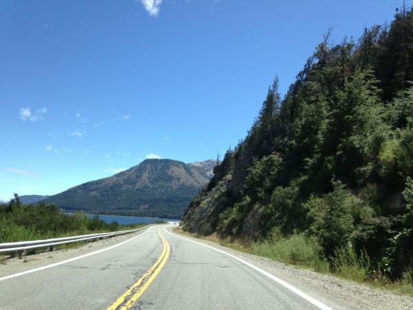 Ruta 40 entre Bariloche e Villa La Angostura