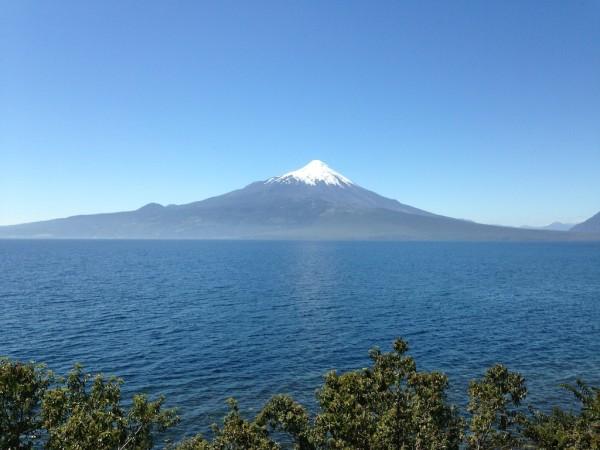 Lago LLanquihue e o belo Vulcão Osorno