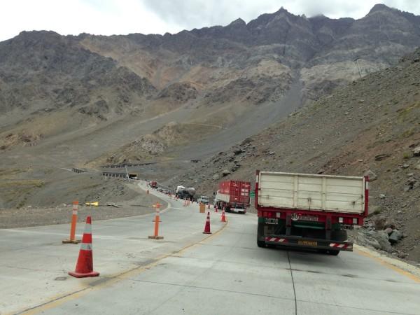 Filas no Paso Internacional Los Libertadores devido a manutenção da estrada