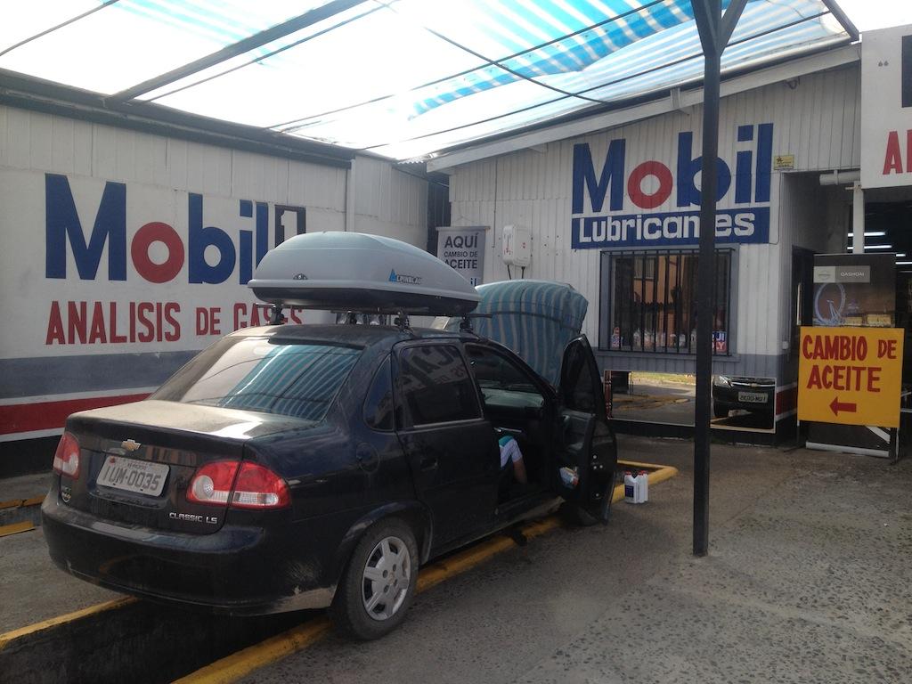 Fazendo a troca de óleo em Temuco